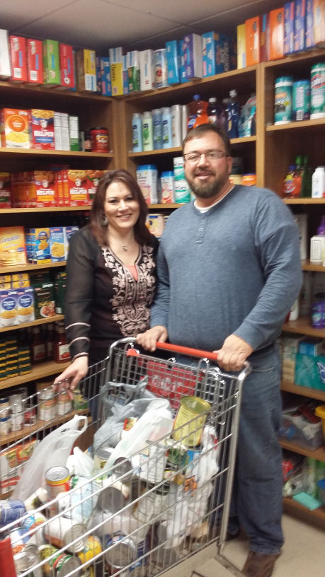 Home Builders Donate to Food Pantry